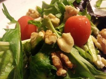 Walnut blue cheese salad