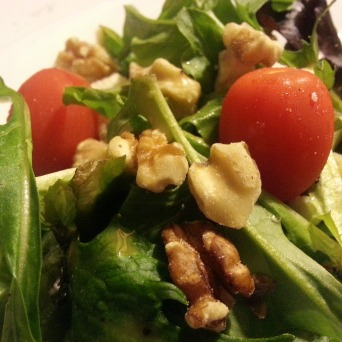 Walnut blue cheese salad